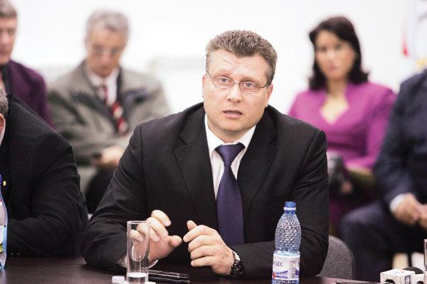 Nicu Vlad, reales președinte al FR de Haltere! În această lun candidează și la șefia federației internaționale, care este la un pas de desființare