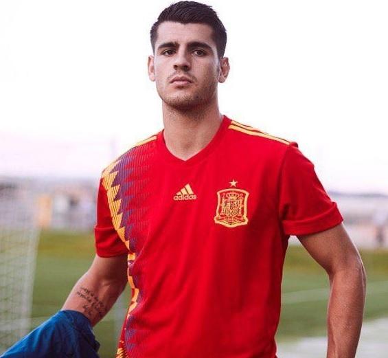 Alvaro Morata (28 de ani) are 17 goluri în 35 de selecții la