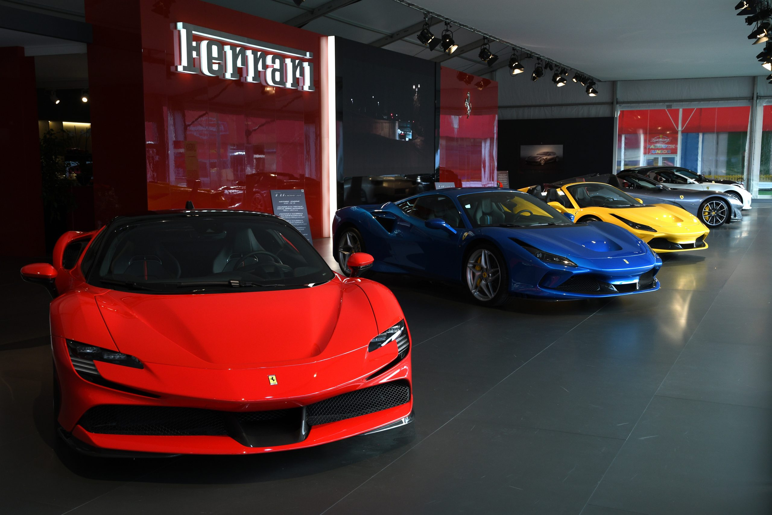 FOTO: Shutterstock / Ferrari SF90 Stradale