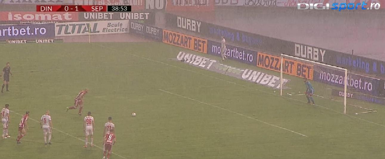 Nimic nu le mai intră! Slavko Perovic a ratat penalty-ul obținut de Fabbrini