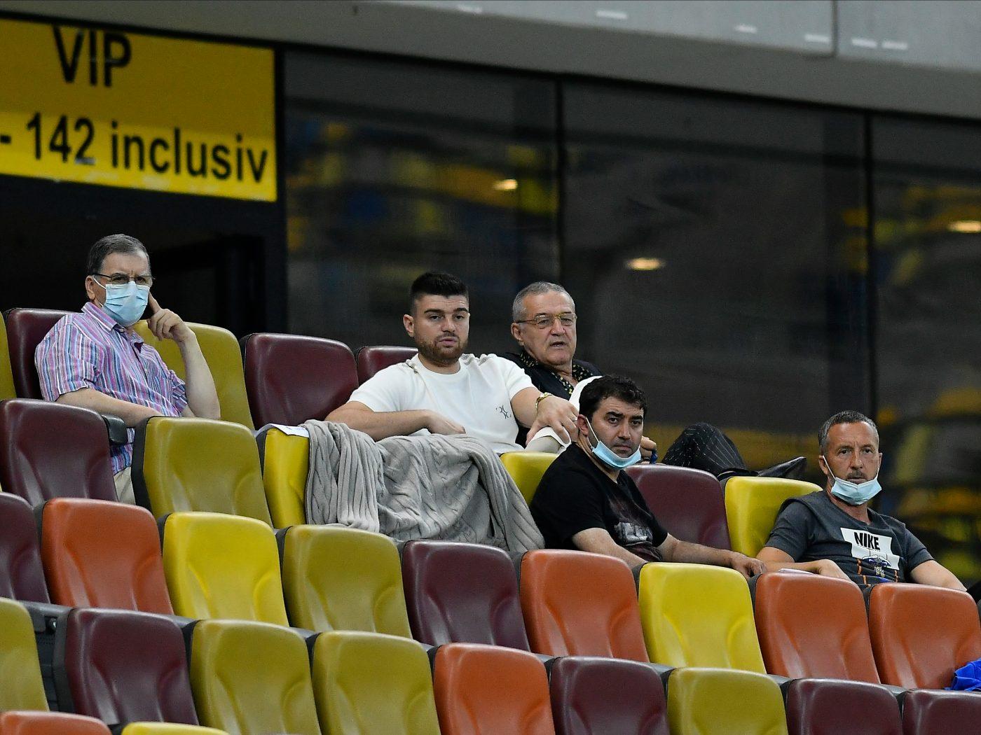 Gigi Becali a urmărit meciul FCSB - FC Botoșani alături de ginerele său
