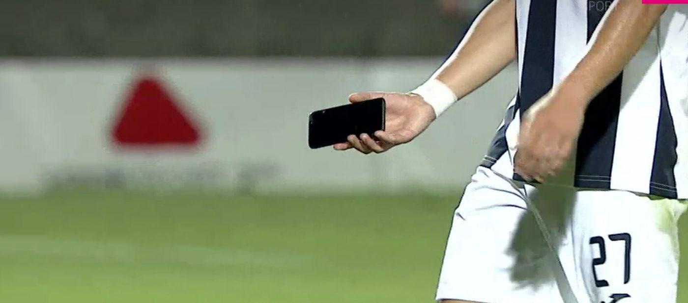 Romario Moise a găsit un telefon pe gazon în meciul dintre Astra și Sepsi