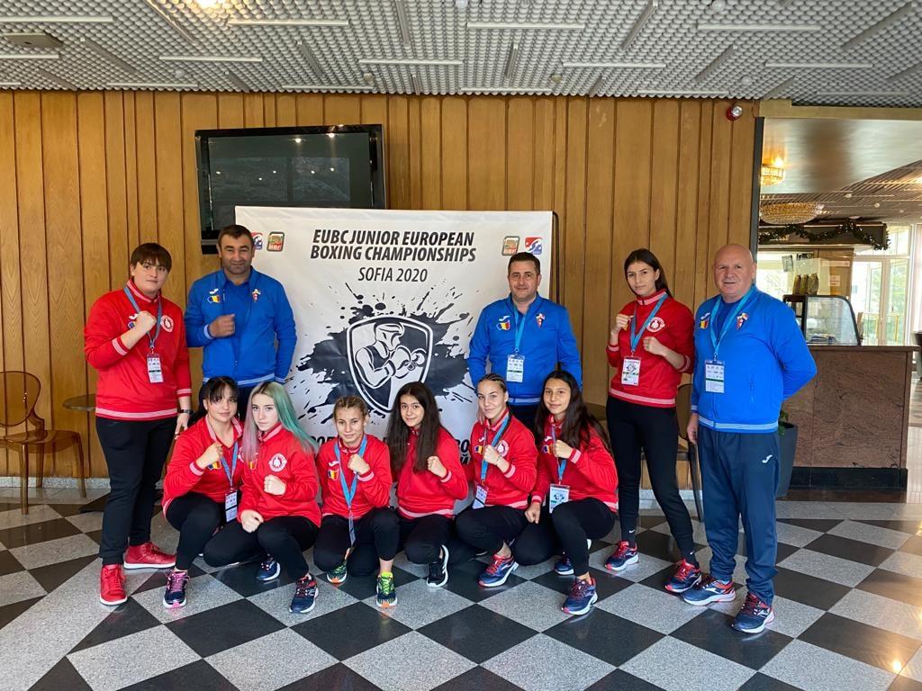 Lotul de fete deplasat la Campionatele Europene de Box pentru Juniori de la Sofia