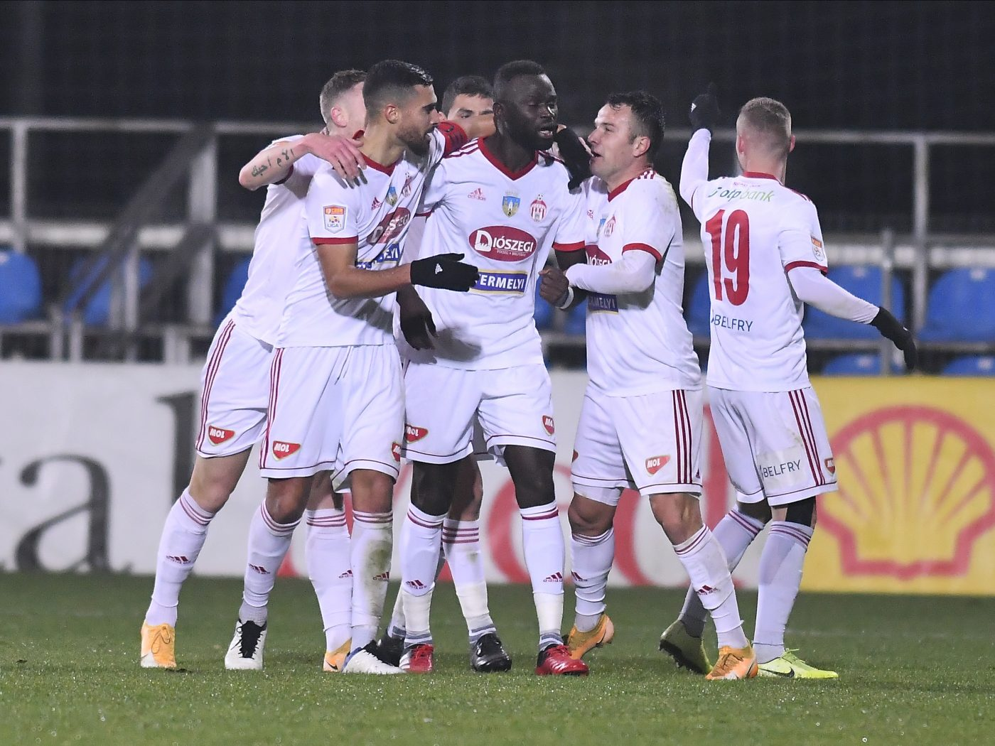 Liga 1: Sâmbăta, pariurile se fac devreme în România » Sepsi OSK – Astra Giurgiu se joacă și la pariuri!