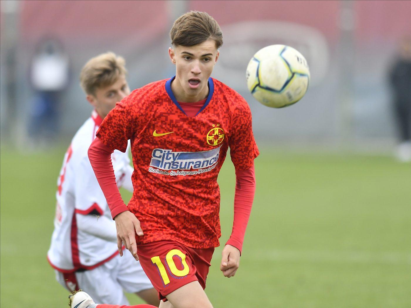"""Toni Petrea are mare încredere în Octavian Popescu: """"Va avea un viitor strălucit!"""". Ce trebuie să facă tânărul fotbalist pentru a fi noul star de la FCSB"""