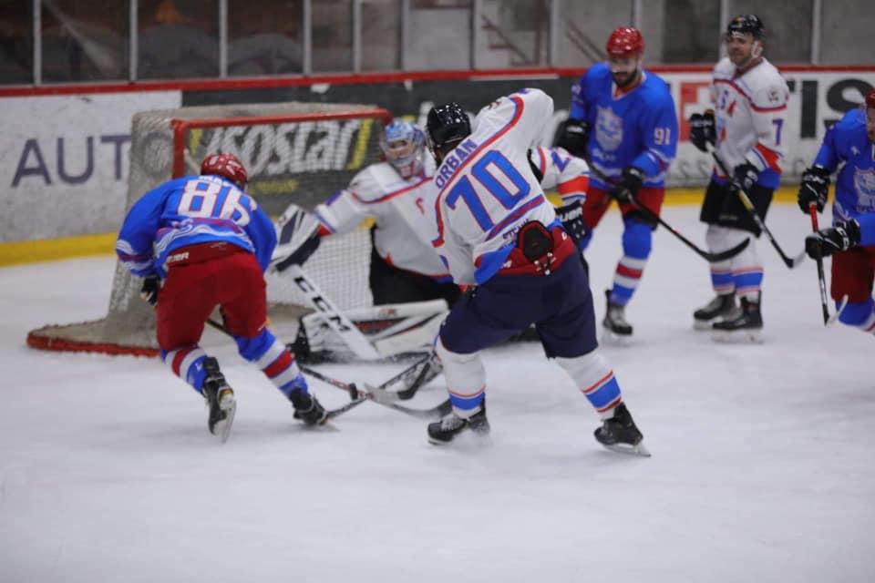 Cupa României la hochei pe gheață se joacă la Galați între 16 și 20 decembrie 2020. Câte echipe participă la această competiție