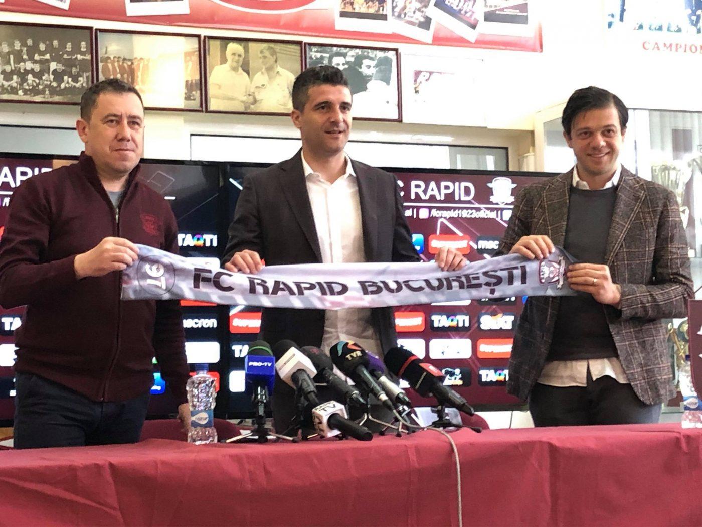 Daniel Niculae (centru) este președintele Rapidului și al doilea om în club după patronul Victor Angelescu (dreapta)