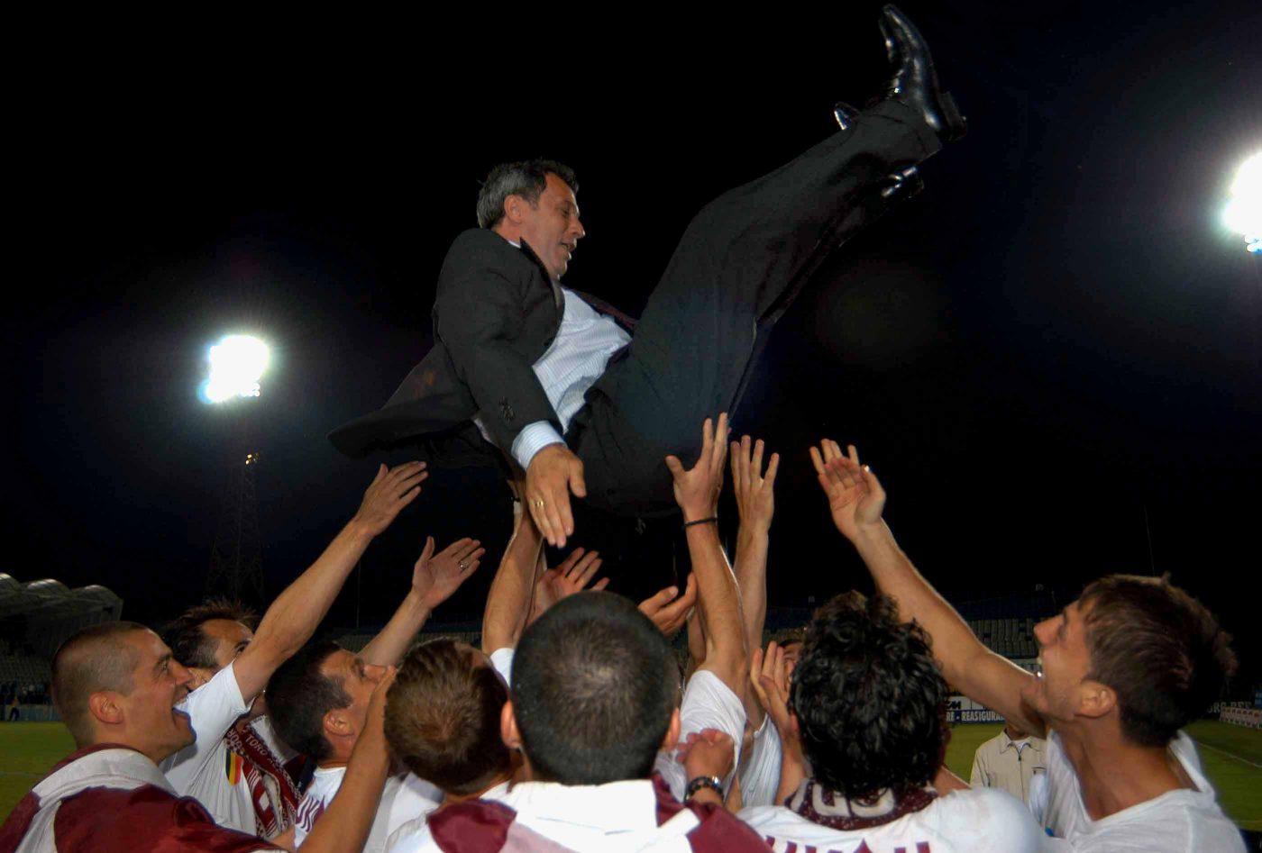 Rapid a câștigat în 2003 ultimul său titlu de campion, cu Mircea Rednic pe bancă