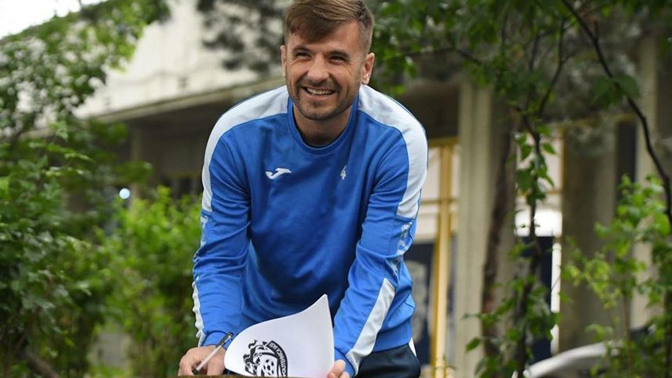 """Ovidiu Mihalache a semnat cu Poli Iași: """"Va aduce siguranță echipei."""" Un grec, fost în Liga 1, este oficial jucătorul clubului din Copou"""