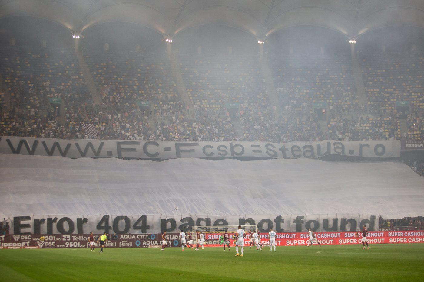 Fanii Rapidului au ironizat problemele de identitate ale FCSB-ului