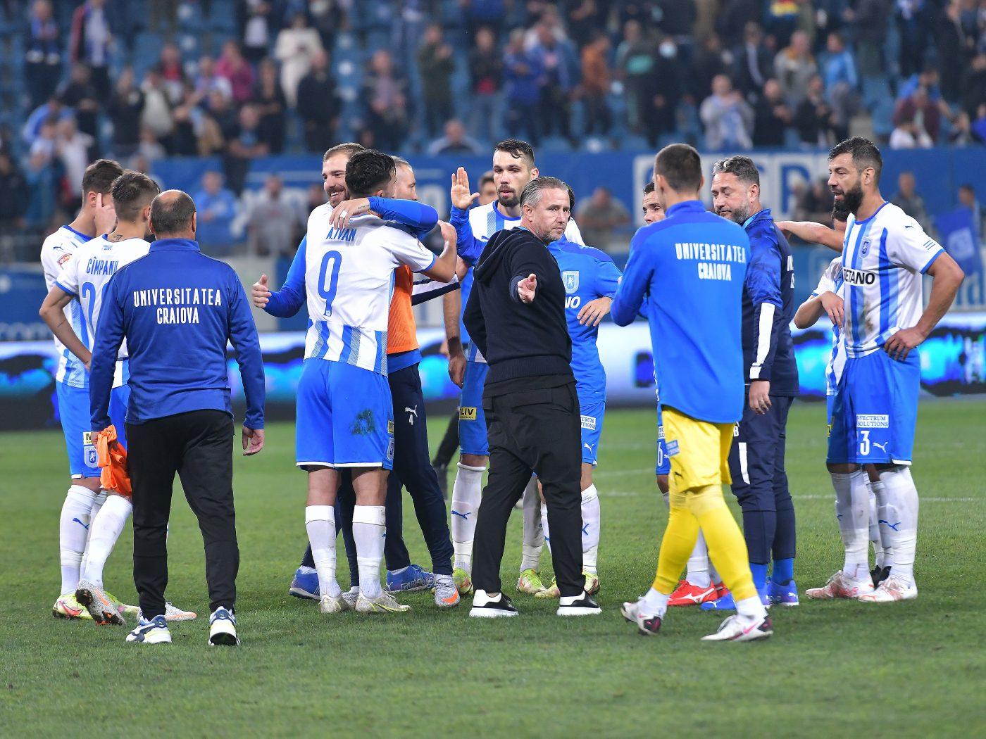 """Craiova lui Reghecampf văzută printre favoritele la titlu! """"Lupta se dă în trei"""""""
